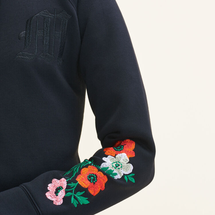 Embroidered hooded sweatshirt : T-shirts color Black 210