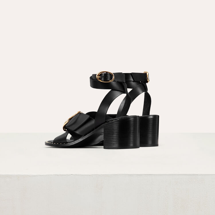 Sandal with buckle : Shoes color Black 210