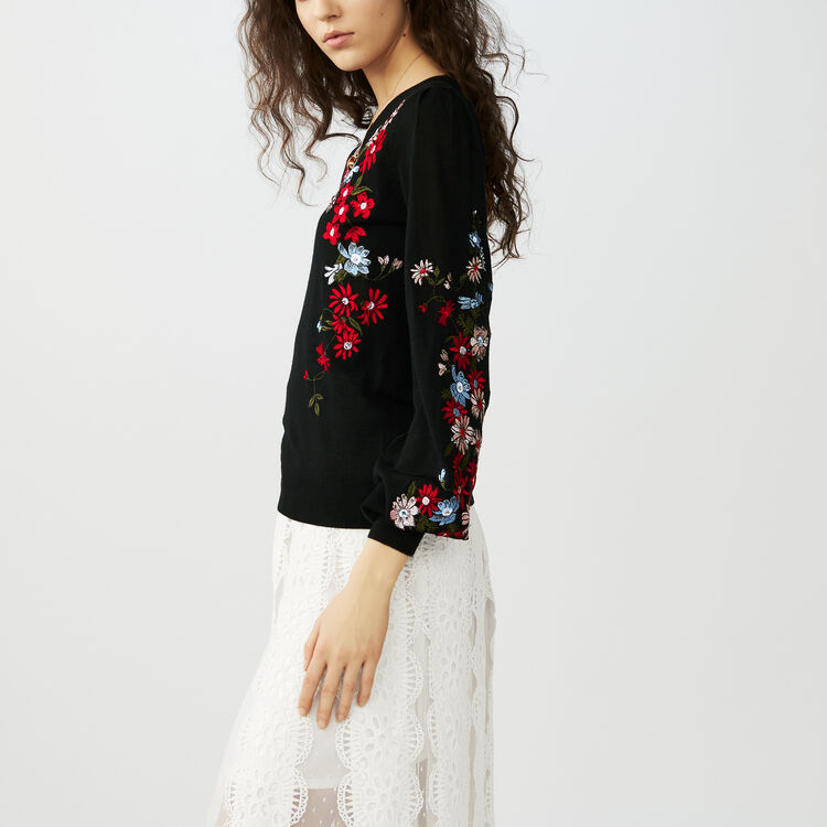 Fine-knit embroidered sweater : Knitwear color Black 210
