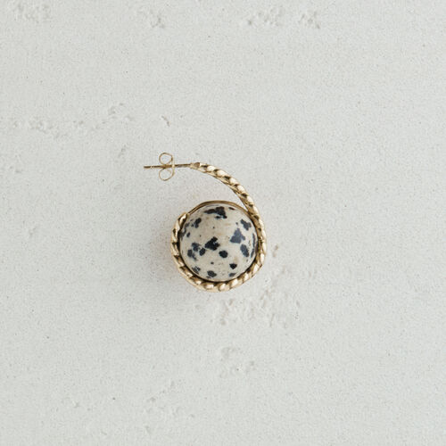 Right earring with natural stone : Jewelry color Off White
