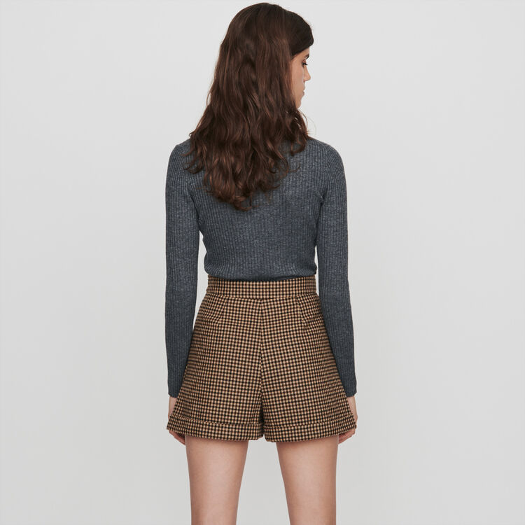 Plaid shorts with pleats and turn-ups : Skirts & Shorts color Brown