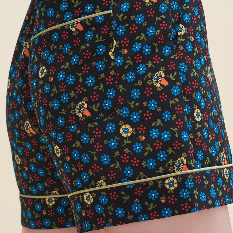 Floral print shorts : Skirts & Shorts color PRINTED