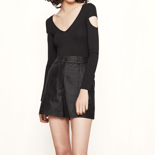 Body with cut-out details : See all color Black 210