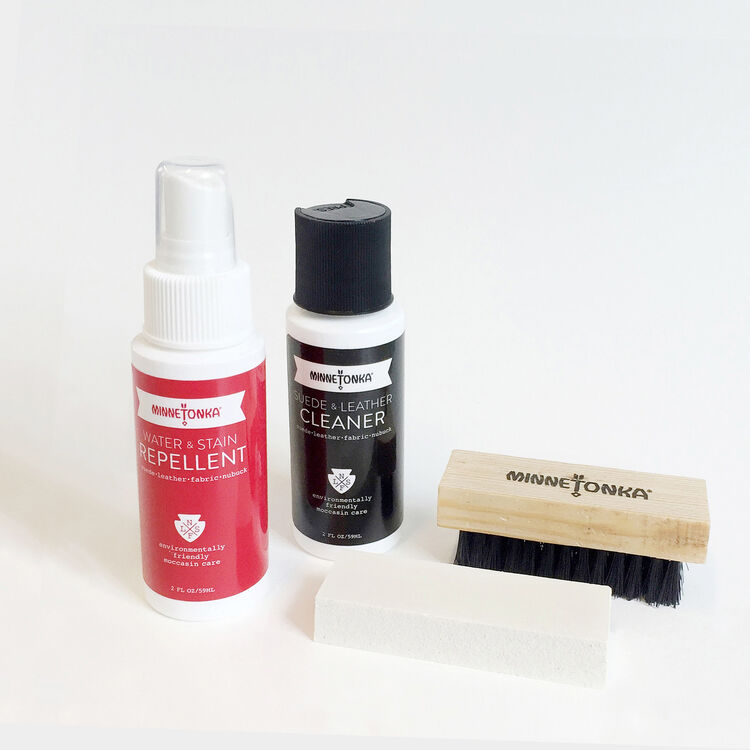 Minnetonka care kit : Gift with purchase color Black 210